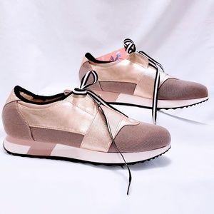 """Report Shoes - 🆕Report """"Quincy"""" Rose Gold Sneakers size 9M🦄💋"""